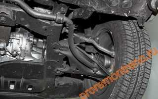 Замена рычага передней подвески Рено Логан